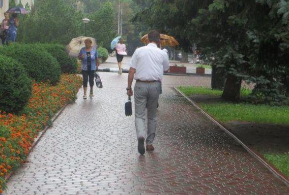 Погода на тиждень: синоптики прогнозують дощі і до +24