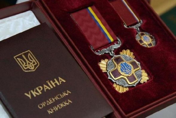 Порошенко нагородив орденами та званнями шістьох хмельничан