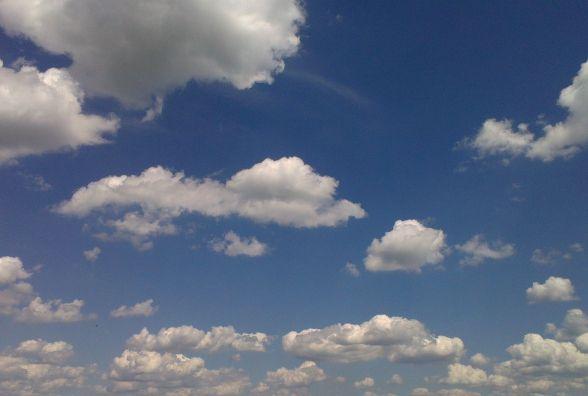 Синоптики попереджають про грози і сильний вітер у Хмельницькому