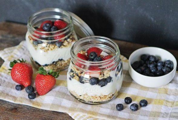 Смачний сніданок: як приготувати ліниву холодну вівсянку