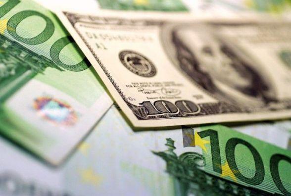 Євро росте, долар падає - курс НБУ на 30 серпня