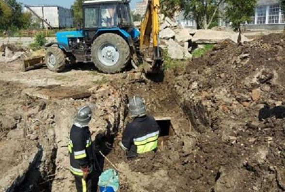 У Кам'янці-Подільському витягли тіло з шахти  теплопровідної мережі