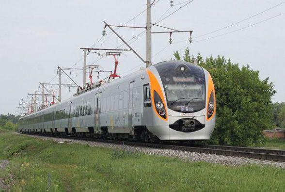 Хмельничани тимчасово не зможуть доїхати в Польщу поїздом