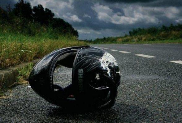У Ярмолинецькому районі мотоцикліст влетів у «ВАЗ»