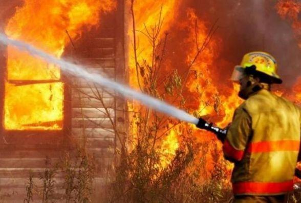 На Кам'янеччині спалахнув житловий будинок