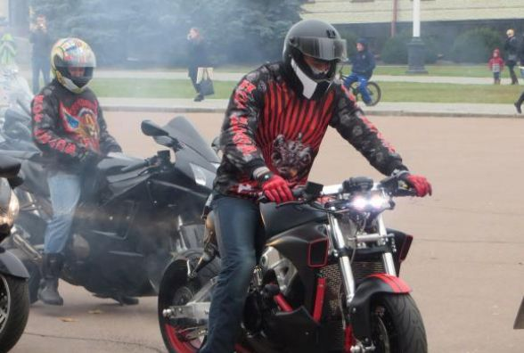 """У вихідні в центр Хмельницького злетяться """"залізні коні""""- байкери закриють мотосезон"""