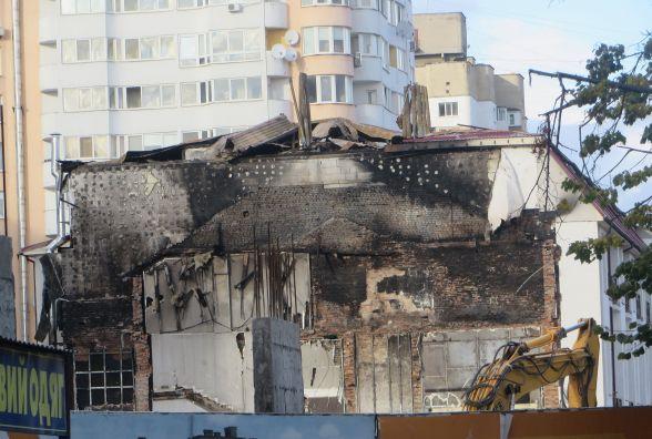 Пожежа на Старокостянтинівському шосе пошкодила новобудову. На ремонт потрібні мільйони