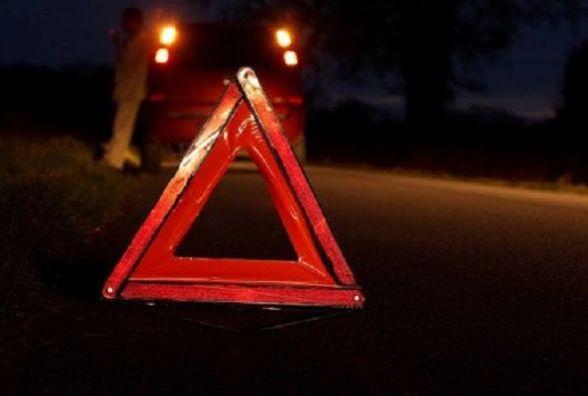 У Полонському районі перекинувся автомобіль. Водій вилетів і загинув