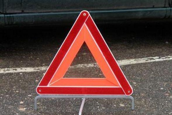 У Теофіпольському районі автомобіль збив велосипедиста. Чоловік помер на дорозі