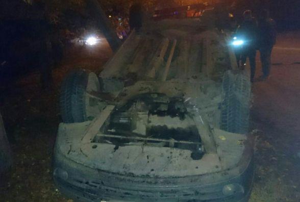 """На Прибузькій """"Renault """" злетів з дороги та перекинувся"""
