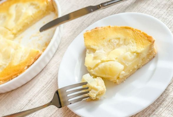 Смачний та оригінальний сніданок: як приготувати сирну запіканку з ананасом