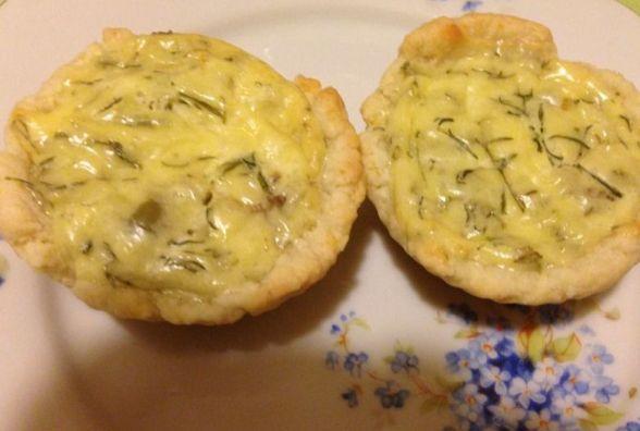 Швидко та смачно: як приготувати міні-кіш з хліба на сніданок