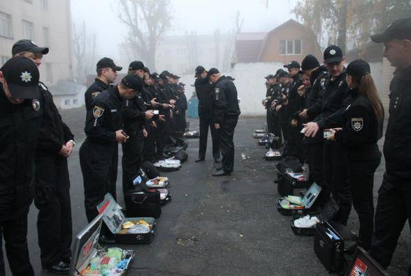 """У Хмельницькому """"бойовою тривогою"""" розпочався ранок у поліцейських"""