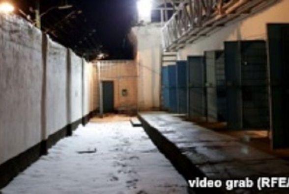 """""""Голодний"""" бунт: в'язні Замкової колонії в Ізяславі відмовилися їсти і самі себе """"катують"""""""