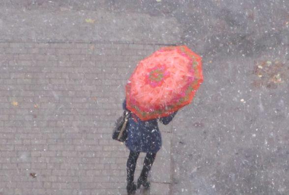 Тиждень у Хмельницькому розпочався з мокрого снігу
