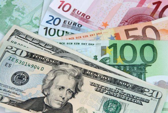 Курс валют на 30 жовтня: долар продовжує рости