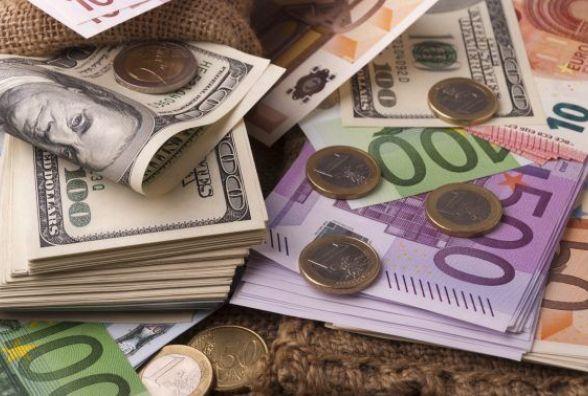 Курс валют на 2 листопада: долар знову подорожчав