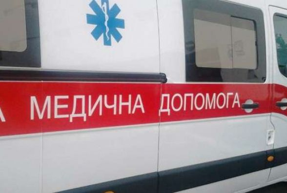 В Ізяславському районі сталася потрійна ДТП: одного з водіїв госпіталізували