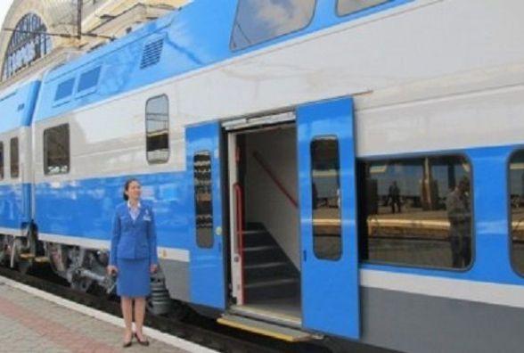 """Через Хмельницький  здійснив перший рейс новий швидкісний потяг """"Інтерсіті"""""""