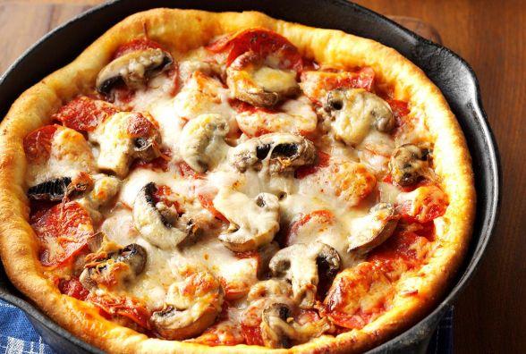 Смачний і швидкий сніданок: як приготувати піцу на сковорідці