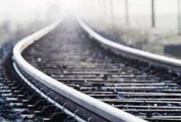 У Нетішині потяг насмерть збив чоловіка