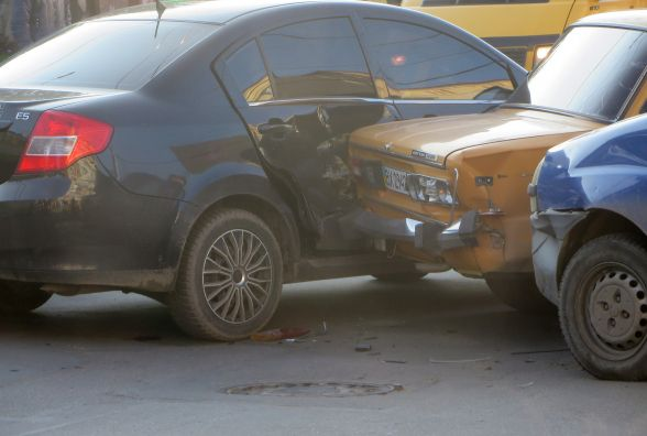 Біля філармонії зіткнулись чотири автомобілі. Кам'янецька в заторах