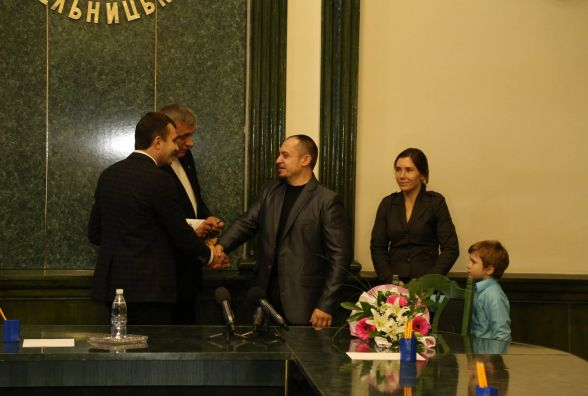 Двоє офіцерів із Хмельницького отримали нові квартири