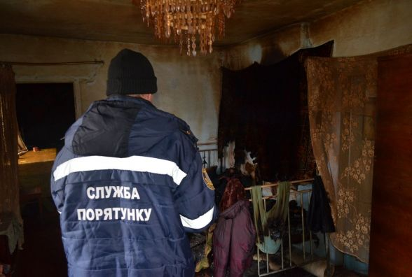 У Старокостянтинівському районі згорів будинок. Загинули чоловік і жінка