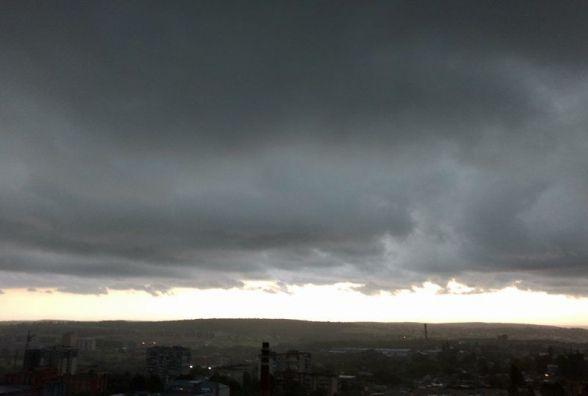В четвер, 23 листопада, у Хмельницькому буде хмарно, але сухо