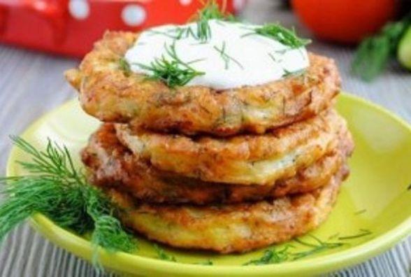 Швидкий та смачний сніданок: як приготувати овочеві оладки