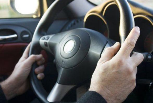 На Зарічанській зловили водія без документів. Підозрюють, що був нетверезим (ВІДЕО)