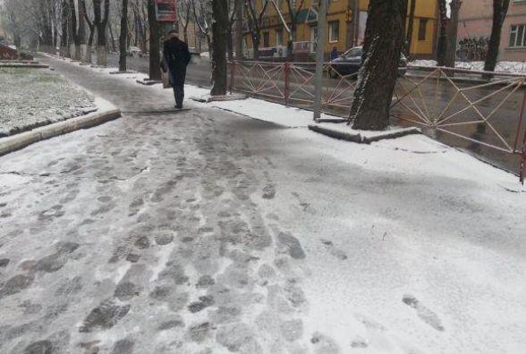 Хмельницький накриє мокрим снігом і задує сильним вітром. Прогноз на середу, 6 грудня