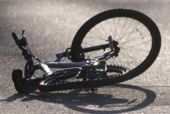У Нетішині п'яний велосипедист потрапив під колеса автівки