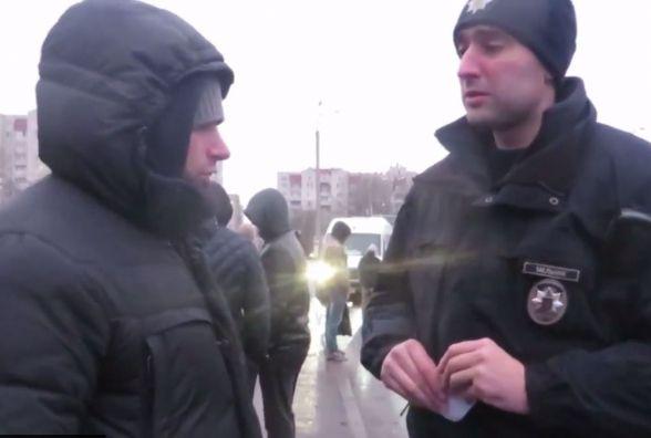 """У діях молодиків в капюшонах на """"Темпі"""" патрульні не виявили правопорушень"""