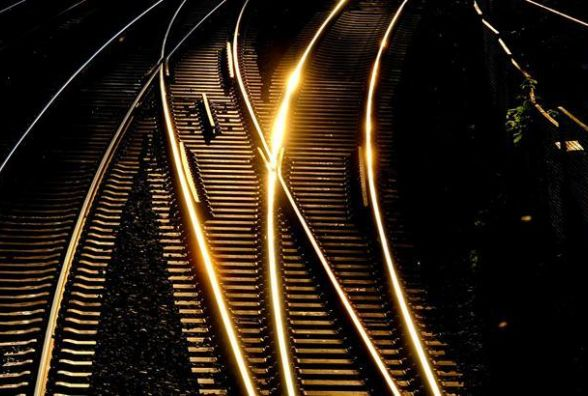 У Білогір'ї  57-річний чоловік загинув під потягом