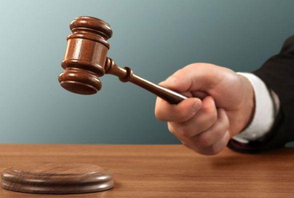 Суд призначив покарання продавчині з Ізяслава, яка інсценувала пограбування магазину