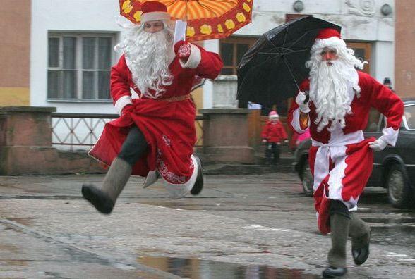 Діда Мороза замовляли? Скільки хмельничанам коштуватиме новорічне привітання