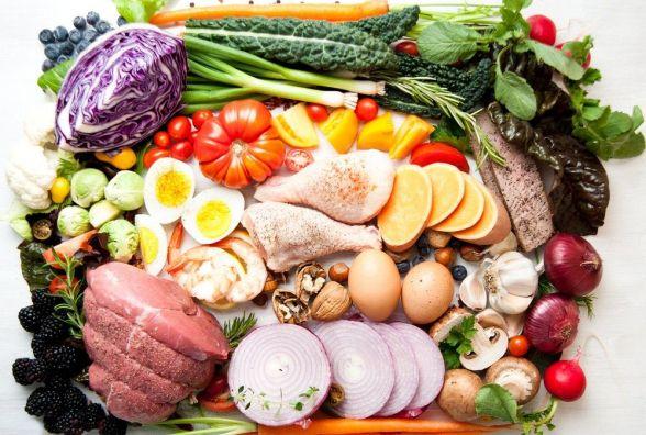 Більше вітамінів, менше сала: МОЗ пропонує українцям переглянути раціон