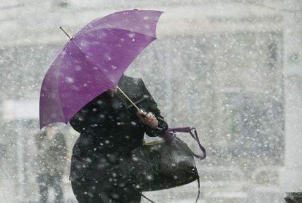 Опади та сильний вітер: на Україну суне фронт данського циклону
