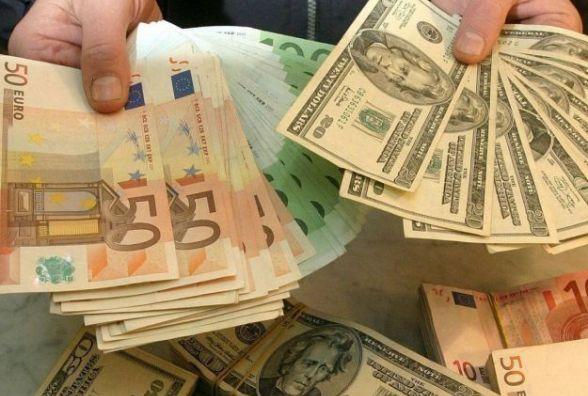 Курс НБУ на 15 грудня: долар і євро стрімко дорожчають