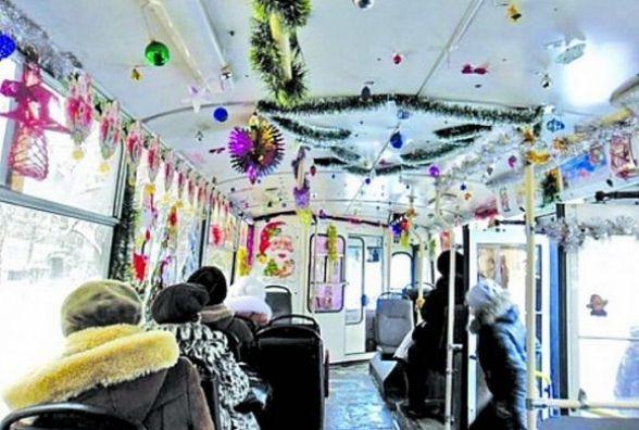 На новорічні свята Хмельницьким курсуватимуть прикрашені тролейбуси
