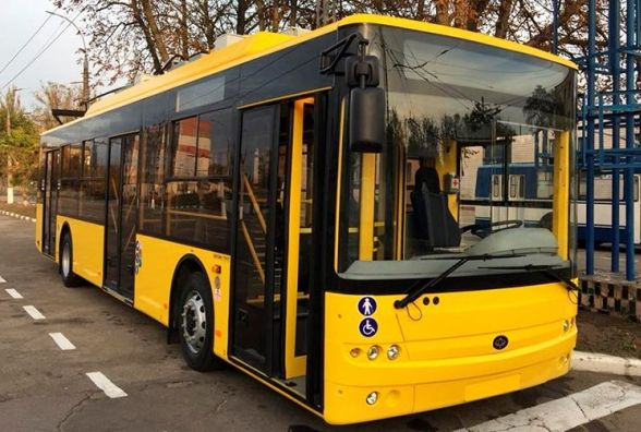 """Білоруських тролейбусів не буде: на вулиці Хмельницького виїдуть сім нових """"Богданів"""""""