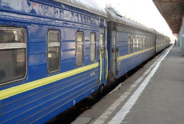 Через негоду 30 потягів курсують з запізненням.  Один із них їде через Хмельницький