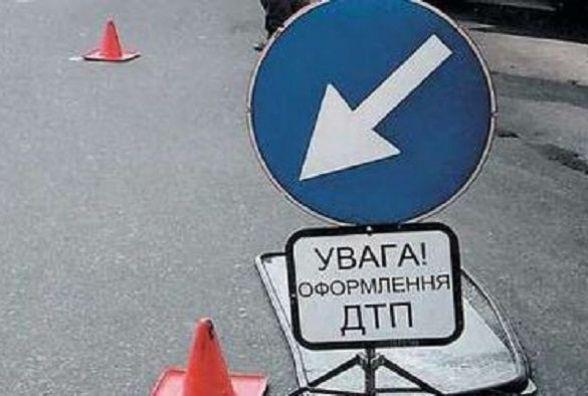 Через зіткнення трьох автомобілів пішохід з Городоччини потрапив у лікарню
