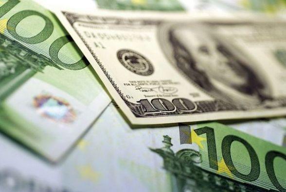 Курс валют на 25 грудня - євро повзе вгору