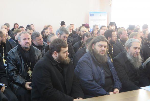 До Хмельницького з'їхалися священики Московського патріархату зі всієї області
