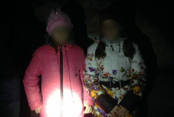 10-річних близнючок, які зникли з двору на Пилипчука, знайшли у парку Шевченка (ОНОВЛЕНО)