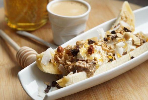 Смачний і швидкий сніданок: як приготувати банановий спліт