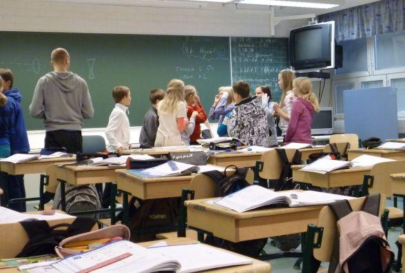 Хмельницькі школярі з понеділка, 15 січня, знову сідають за парти