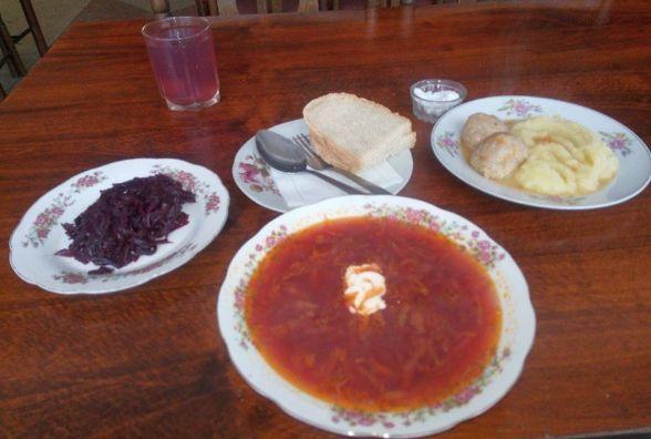 Перевіряємо хмельницькі їдальні: як годують в столовій №48 біля парку Шевченка